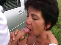 Granny got some help in exchange to fuck
