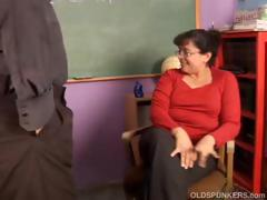 Chubby mature amateur loves to fuck