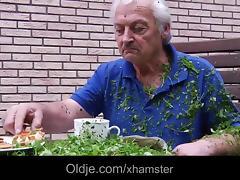 Teenie school girl swallowing grandpa cumshot outdoor fuck