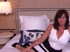Curvy cougar anal