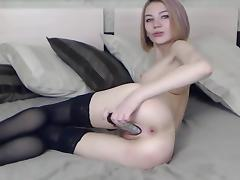 Xsmallgirl fucks her pussy and ass on cam