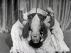 Exotic Burlesque Dancer Shakes Contents of Bra 1940