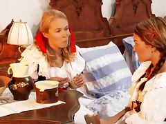 Antique Oral sex with two smoking hot blondies