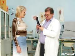 Wrinkled mature for vaginal exam