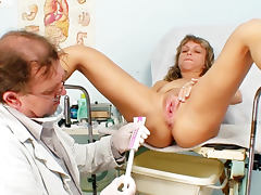 Milf receives exam from her doctor