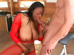 Ebony Carmen Hayes is demonstrating her boobies