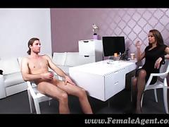 FemaleAgent - Awkward casting for enw agent