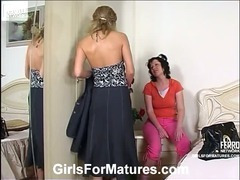 Christie and Melanie pussylicking mature