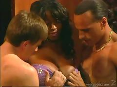 Hot Babe In A Hardcore Deepthroat Face Fucking Threesome